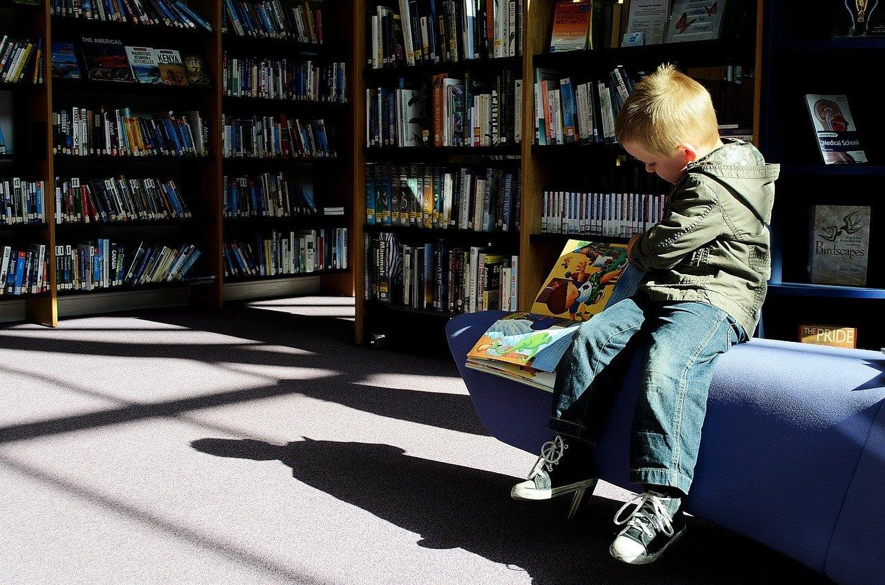 apprendre à lire à un enfant en CP